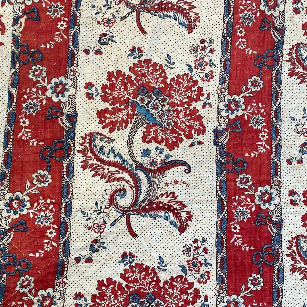 Éléments de lambrequins de lit. Manufacture de Beautiran près de Bordeaux Époque 18ème. 186x186 cm.