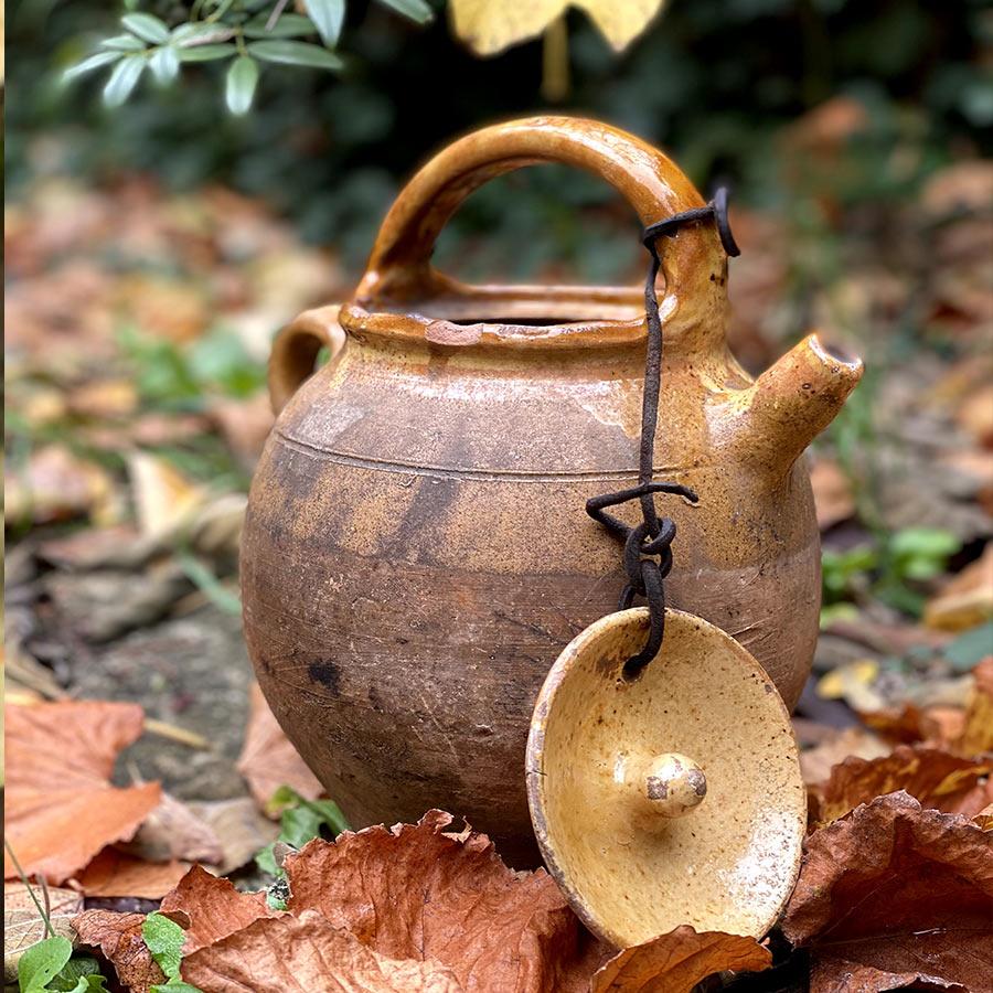 Pot à eau avec son couvercle En Terre Cuite Vernissée